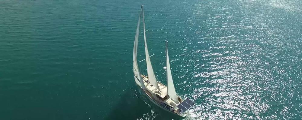 Sailing SV Delos